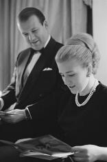 British businessman and Conservative Party politician Basil de Ferranti (1930 - 1988) with his wife Simone De Ferranti (née Tatham Nangle), 1965. (Photo by Tony Evans/Timelapse Library Ltd./Getty Images)
